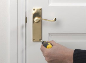 Delicieux Change A Door Handle Service London From HomeMates